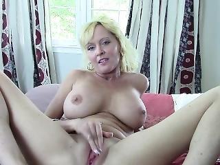 duże cycki, blondynka, masturbacja, dojrzała, plac zabaw