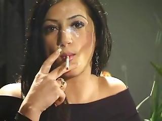 dům, modelka, kouření