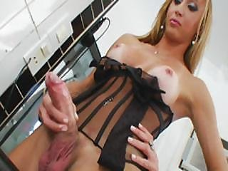 cul, gros cul, grosse bite, gros téton, blonde, éjaculation, branlette, lingerie, masturbation, sexy, shemale, solo, tgirl, trans