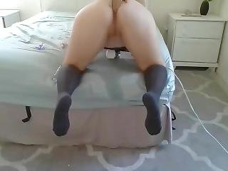 Housewife Squirting On The Bed