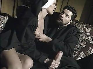 Olgun porno türkçe ve sesli konuşuyorlar sikiş sırasında