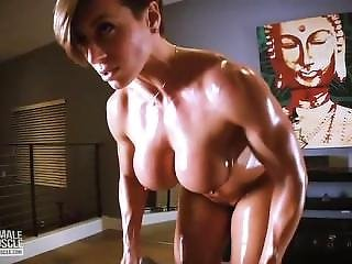 Rapture Nude Workout & Muscle Flex Video
