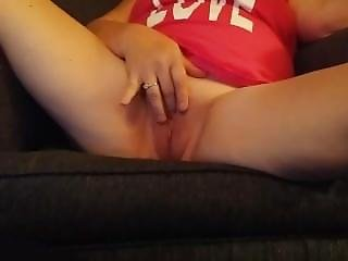View Now This Amazing Camgirl Playing Performing On Camgasmxxx.com