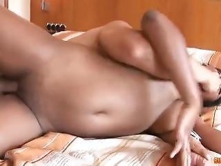 Ebony Teen Big Ass Shows Her Huge Ass In Public Riding
