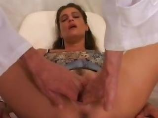 Gorgeous Milf Gets Fisted And S-t-r-e-t-c-h-e-d