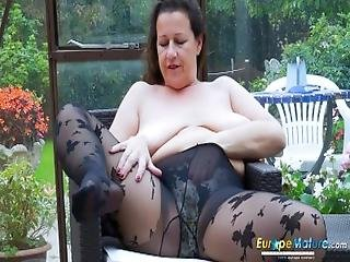alene, brunette, brystet, bestemor, voksent, truser, strømpebukse, sexy, solo, stripping