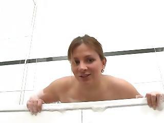 kylpy, iso tissi, saksalainen, pornotähti, soolo