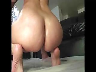 porno-s-bolshimi-smazannimi-maslom-popami