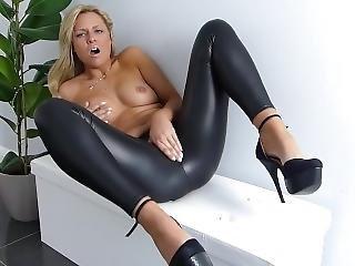 Nahka aasi alainen porno