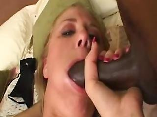 Amateur Girlfriend Interracial Threesome With Facial Shots
