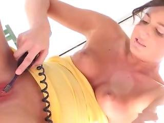 Beautiful Teen Masturbates To Orgasm With Contractions