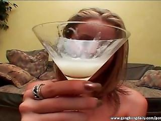 Alluring Babe Drinks Sperm Out Of The Glass