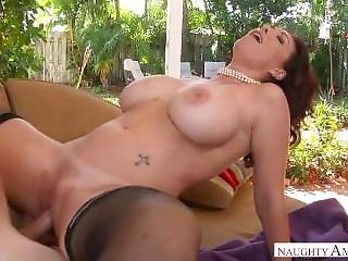 Hot Mom With Huge Tits Loves To Fuck