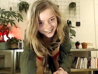 Blonde, Masturbatie, Petite, Kleine Tieten, Solo, Tiener, Spellen, Webcam