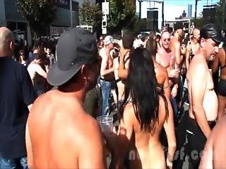 Nude In San Francisco Does The Folsom Street Fair 2013