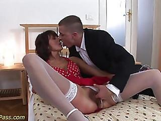 Extreme Anal For Horny Milf