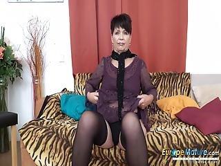Europemature Sweet Mom Seductive Striptease