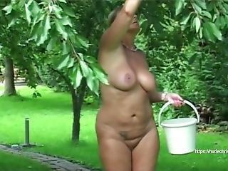 Sex im gartenhaus