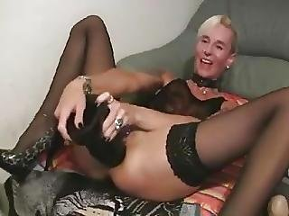 Mature big dildo