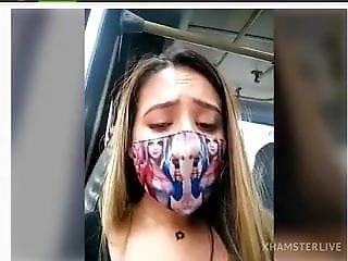 Hace Webcam Show En Autobus Sara-fun