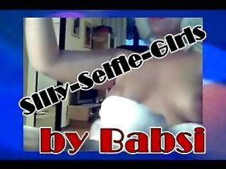 Silly Selfie Girls (2281)