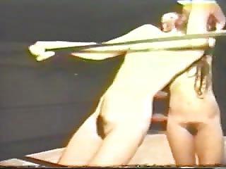 ブルネット, 毛だらけ, ヌード, 小さなおっぱい, ビンテージ, レスリング