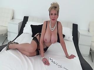 Lady Sonia Role Plays With Sex Toy
