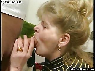 Older Dame Enjoys Fuck Passion