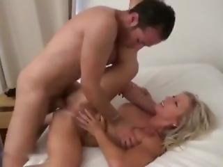 Blonde Mom Want Sex