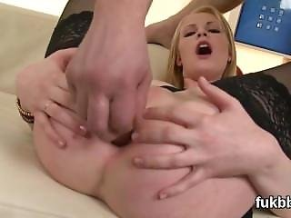 Frisky Stunner Stretches Her Cunt And Enjoys Hardcore Sex