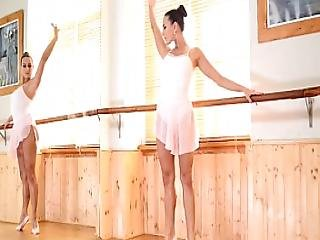 Ballerina Play Own Pussy