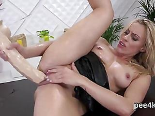Breathtaking Teen Is Pissing And Masturbating Smooth Hole