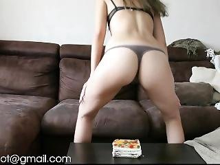 Sparklyhot Farts On Cake