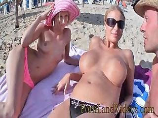Hot Threesome Fuck 2 Slut Girls Play With Cock And Strapon