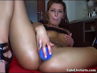 Hot Squirting Webcam Babe