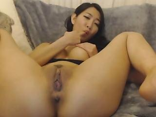 Asian Teen Play With Her Tight Pussy Hotbaesex520.com/cams