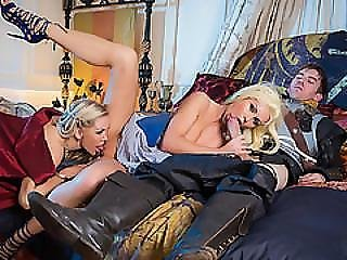 dupa, ruchanie, blondynka, brunetka, femdom, koronka, milf, naturalne, ostro, seks, trójkąt