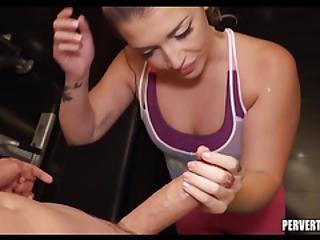 Gym Slut Loves To Suck Cock