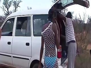 Afrikanisch, Bukakke, Ficken, Gruppensex, Interrassisch, Orgie, Im Freien, Sex