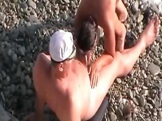 Voyeur Tapes Mature Parents Fucks On The Beach