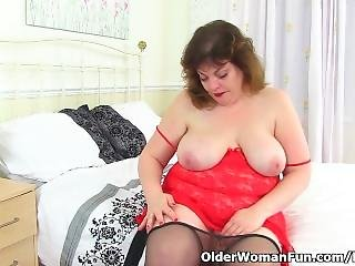Uk Milf Vintage Fox Gets Aroused In Black Tights
