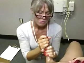 Old Mature Lady Is Giving A Handjob