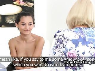 Amateur, Blondine, Vorsprechen, Couch, Europäisch, Fingern, Ficken, Lesbisch, Lecken, Büro, Oralverkehr, Orgasmus, Realität, Sex, Spanner