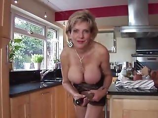 Lady Sonia Keep On Wanking It