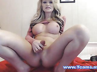 Horny Shemale Jerk Her Dick On Cam