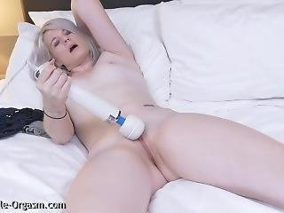 Blonde Coed Masturbates Goes For Two Orgasms With The Hitachi