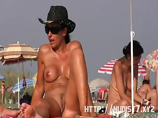 Sexy Nudist  Beach Spy Fat Pussy Crotch Shot