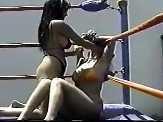 Fekete leszbikus kínzás