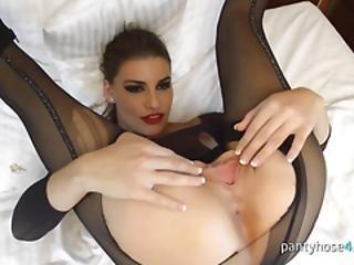 bonasse, brunette, gode, masturbation, nylon, collants, bas collants, belle, solo
