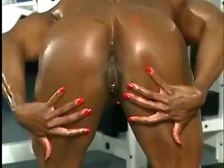 Big Muscly Black Milf Poses In All Her Glory